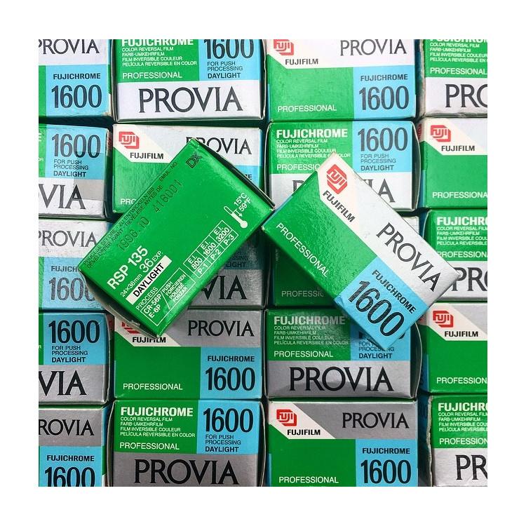 provia 1600F 1600 push 400f 35mm fuji fujifilm 36 poses fujichrome diapo couleur diapositives périmée