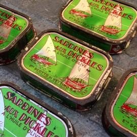 sardina fish tin can vintage antique 1950 1960 french grocery tin metal metallic scotto di vettimo marseille marseilles