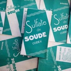old pharmacy box vintage green sodium soude soda medicine doctor 1930 1940