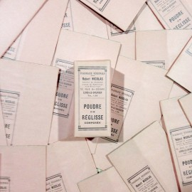 boite pharmacie ancien vintage carton robert nicolas poudre réglisse rose 1940