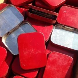 boite coffret rouge métallique lithographie pharmacie 1940 petite