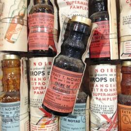 extrait noirot ancien vintage liqueur alcool  fiole bistrot bar épicerie 1960