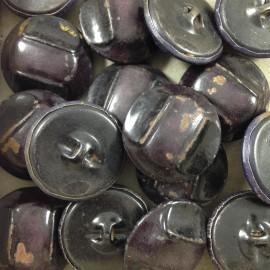 grand bouton violet foncé métal ancien vintage mercerie 1930 26mm