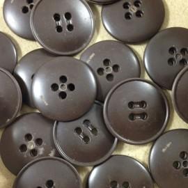 bouton marron plastique ancien vintage mercerie 1960