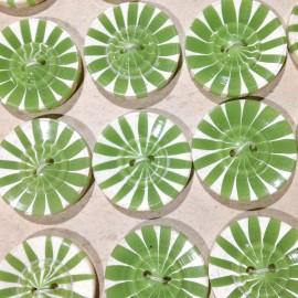 bouton fantaisie vert ancien vintage plastique mercerie 22mm 1930