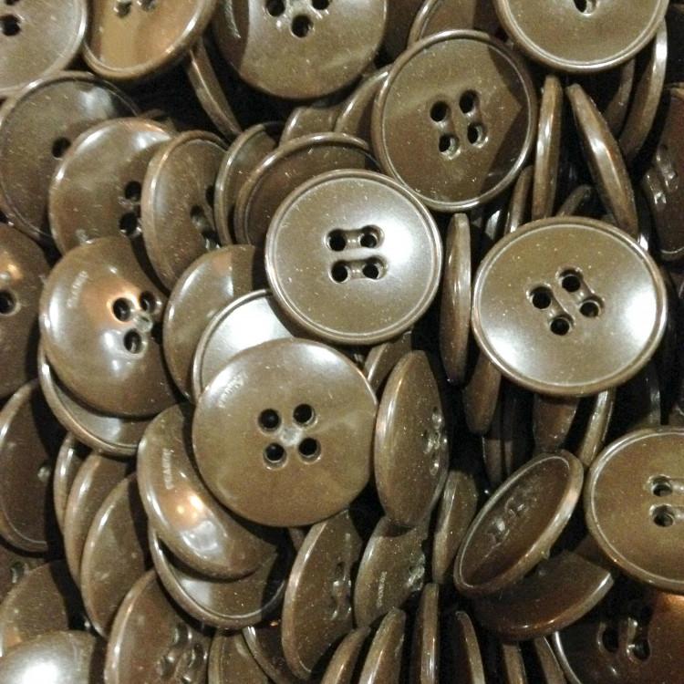 bouton marron bordé ancien vintage plastique 20mm mercerie 1960