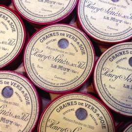 boite graines de vers à soie oeufs de papillon sériciculture magnanerie 1900 1910 le muy ronde transport var murier pierre senes