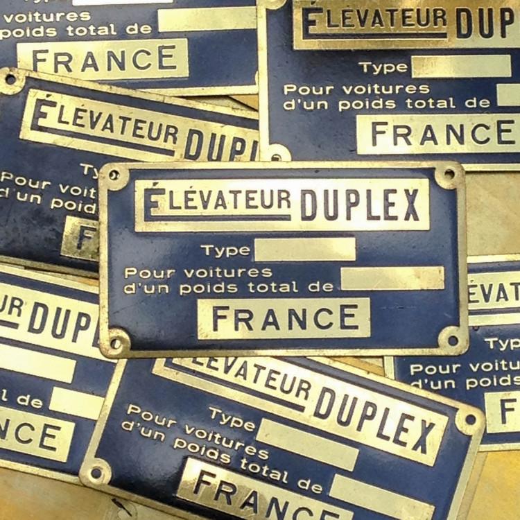 Plaque laiton élévateur duplex ancien vintage métal usine garage 1950