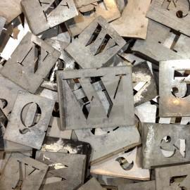 pochoirs lettres chiffres ancien vintage artisan atelier 1950 lot 3