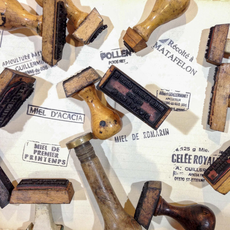 artisan bois tampon miel apiculteur ancien vintage 1960