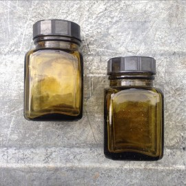 little glass jar vintage 1930 125ml 0.125ml pharmacy ether army antique green bakelite cap