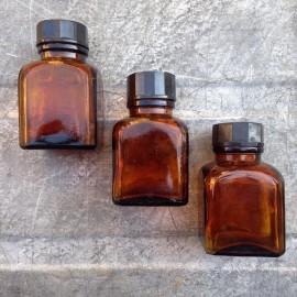 little glass jar vintage 1930 60ml 0.06ml pharmacy ether army antique orange bakelite cap
