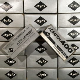 expired film vintage analog 1981 agfa agfapan 400 black and white 400 ISO film 120
