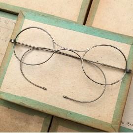 glasses spectacles vintage antique 19th century antique antiques metal titanium 1880 1870 victor pilot