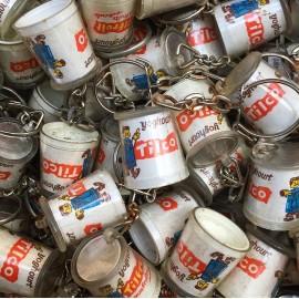 porte clefs ancien plastique publicitaire vintage 1960 yoghourt tilco yaourt