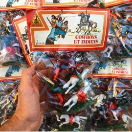 cow-boys and indians pyragric pack wrapping vintage toys from 1980 macau france lyon
