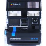 polaroid vintage 635SE bleu et noir supercolor ancien 600 couleur flash 1980
