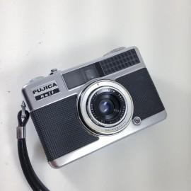 fujica half frame fujinon 28mm 2.8 35mm analog
