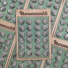 carte de boutons anciens vintage 1950 1960 mercerie couture 22mm marguerite