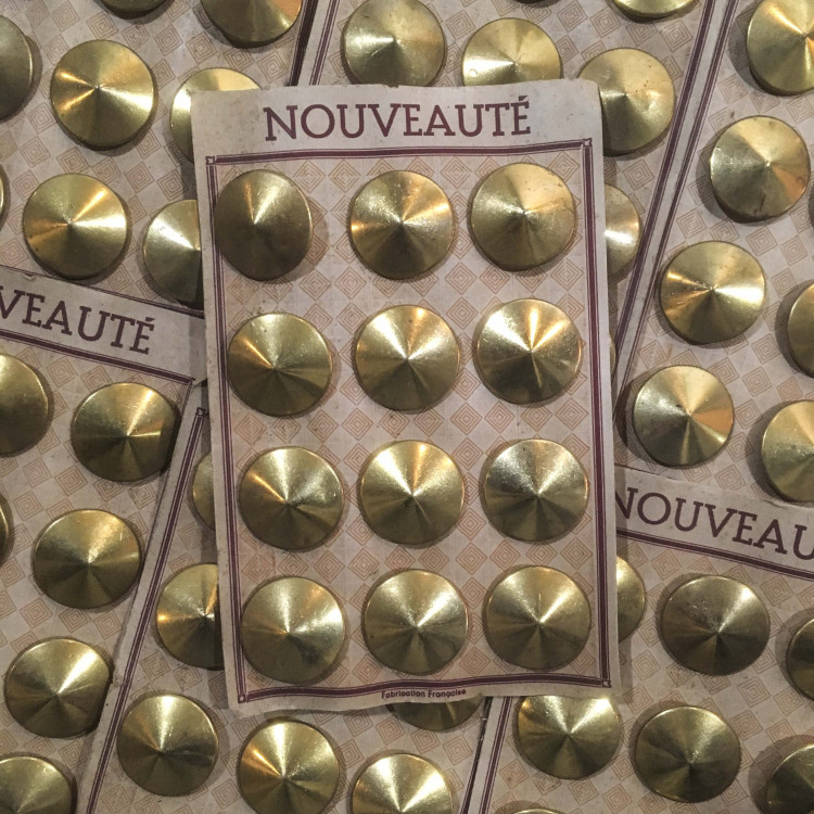 carte de 12 boutons anciens vintage 1930 mercerie couture 28mm métallique métal doré or