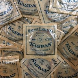 sachet fil pêche poisson ancien vintage magasin kaspas racine émaillée