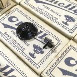 Boite boutons othello pressoir ancien vintage mercerie 17mm 1930