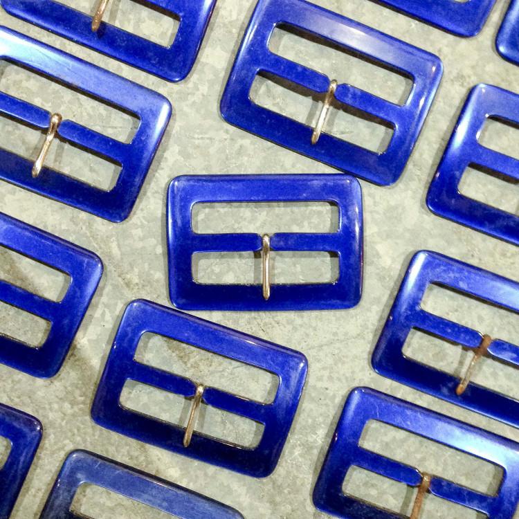 boucle plastique bleu ancien vintage foncé mercerie 1960